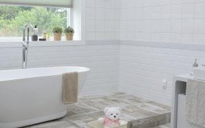 Umywalkę kupuj razem z wanną i toaletą – tak radzą…